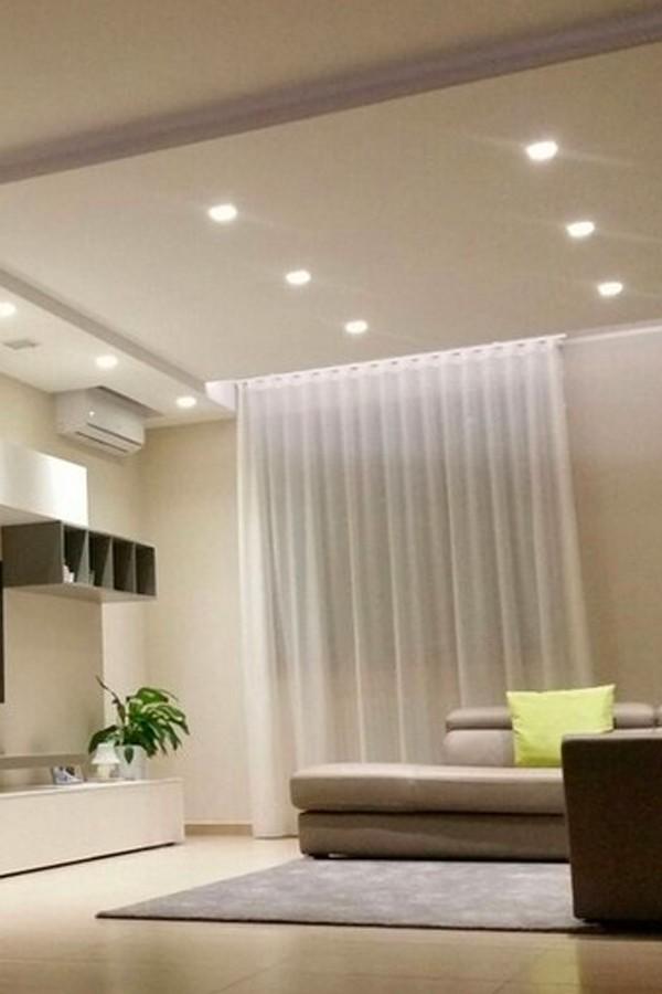 Scegliere l'illuminazione di casa: faretti o lampadari?
